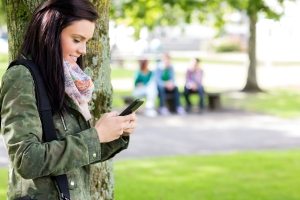canstockphoto texting woman