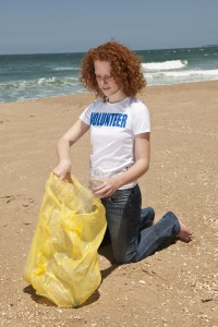 volunteer beach cleanup